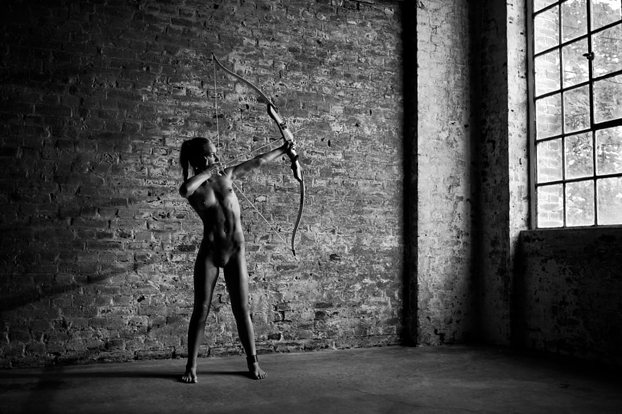 bow woman - 2
