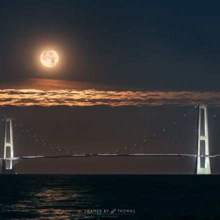 The Supermoon sets over The Great Belt Bridge