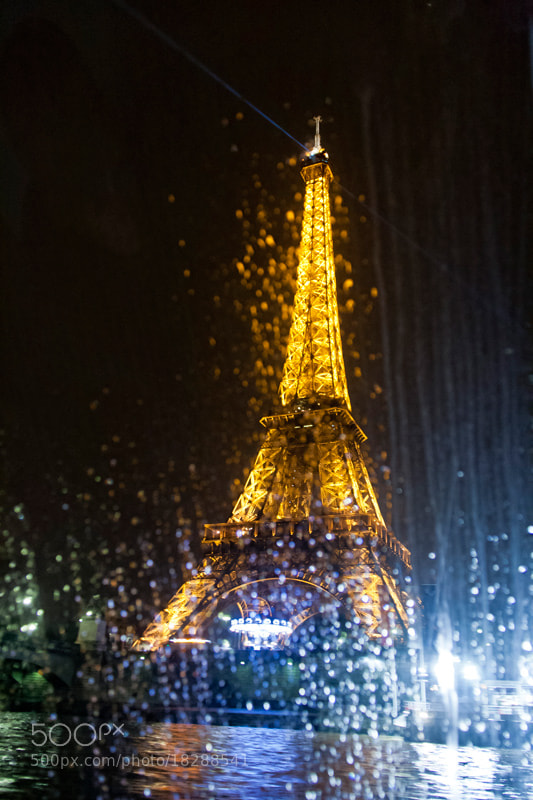 Photograph Eiffel in the rain by Pedro Sanz on 500px