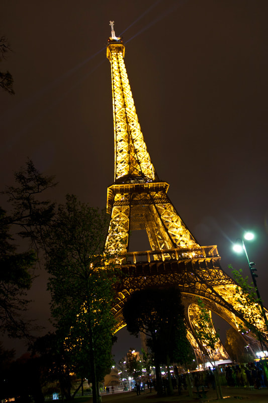Photograph Eiffel in the night by Pedro Sanz on 500px
