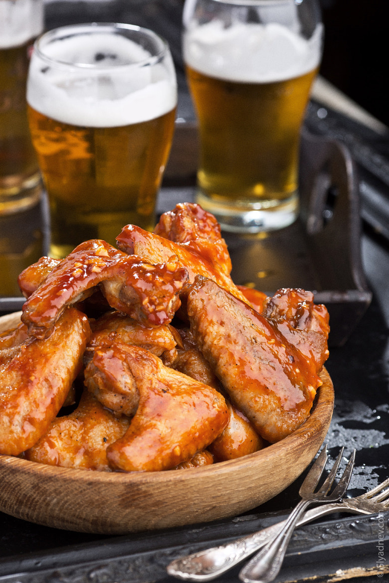 Photograph Chicken wings and beer by Aleksandr Slyadnev on 500px
