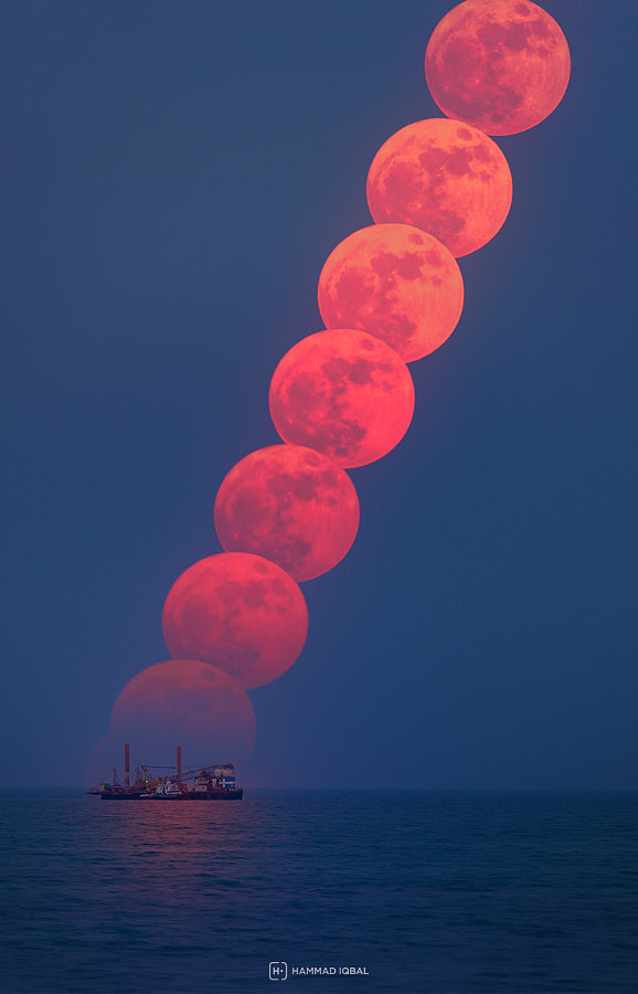 The Supermoon Rises by Hammad Iqbal on 500px.com