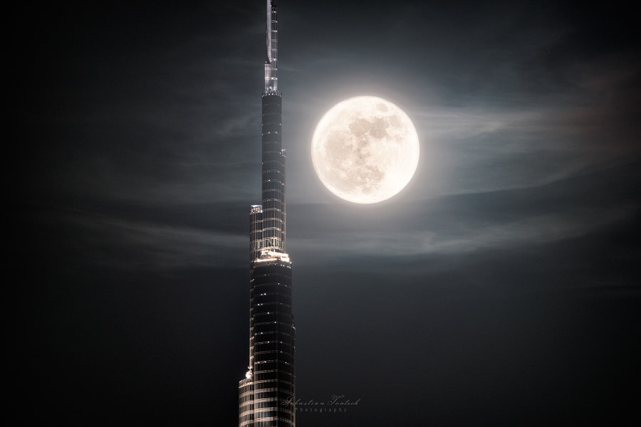Supermoon Dubai by Sebastian Tontsch on 500px.com