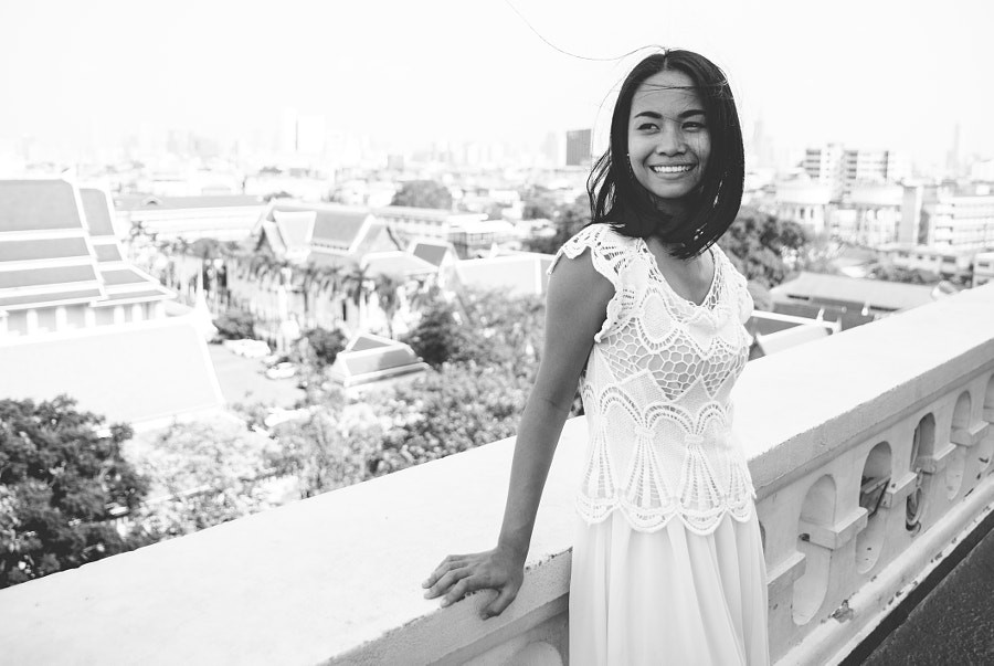 Smiling thai woman in Bangkok by Cristian Negroni on 500px.com