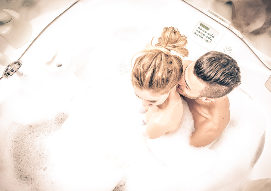 Couple in the jacuzzi by Cristian Negroni on 500px.com