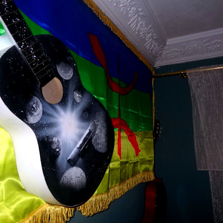 I painted this guitar, Sony DSC-HX9V