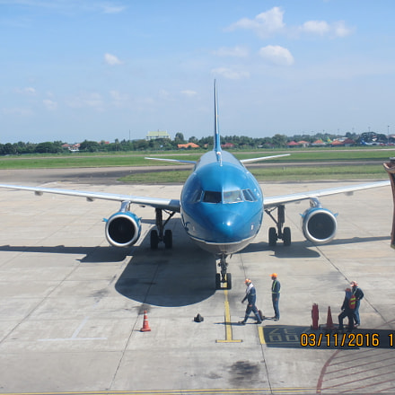 Wattay International Airport, Canon POWERSHOT D30