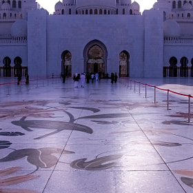 Red Carpet _ The Grand Mosque by julian john (sandtasticdays)) on 500px.com