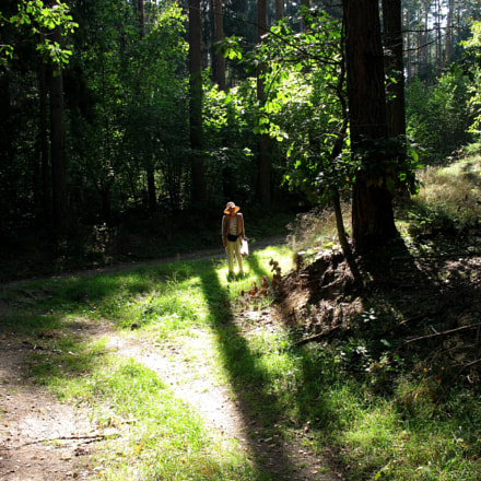 forest and my sister, Canon POWERSHOT A640