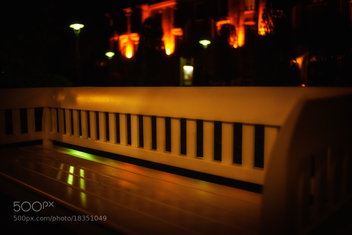 Photograph Park bench at the night by Florian Klum on 500px