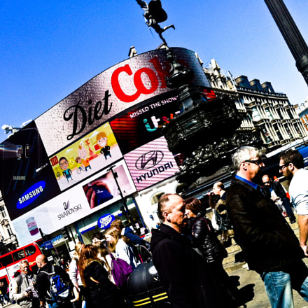 Piccadilly Circus, London, Apple iPhone 4, iPhone 4 back camera 3.85mm f/2.8