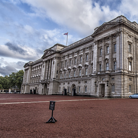 Buckingham Palace Wide Angle, Canon EOS-1D C, Carl Zeiss Distagon T* 15mm f/2.8 ZE