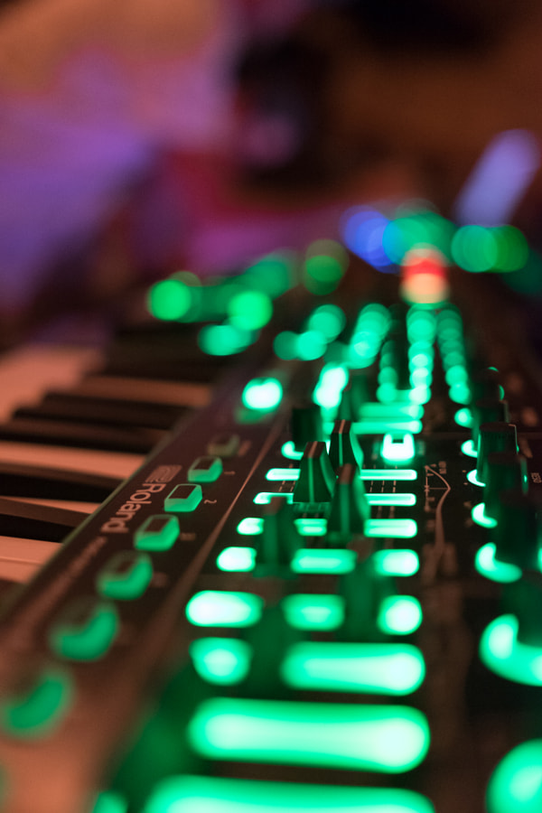 Electronic Instrument and Bokeh