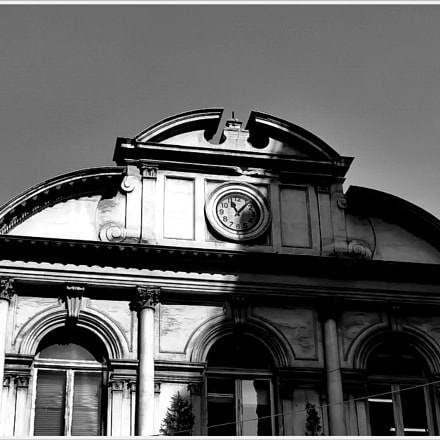 the old clock, Sony DSC-H10