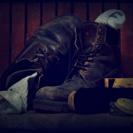 Old boots, Sony SLT-A58, Sony DT 35mm F1.8 SAM (SAL35F18)