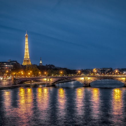 Nightscape Eiffel Tower, Canon EOS-1D X MARK II, Canon EF 28-300mm f/3.5-5.6L IS