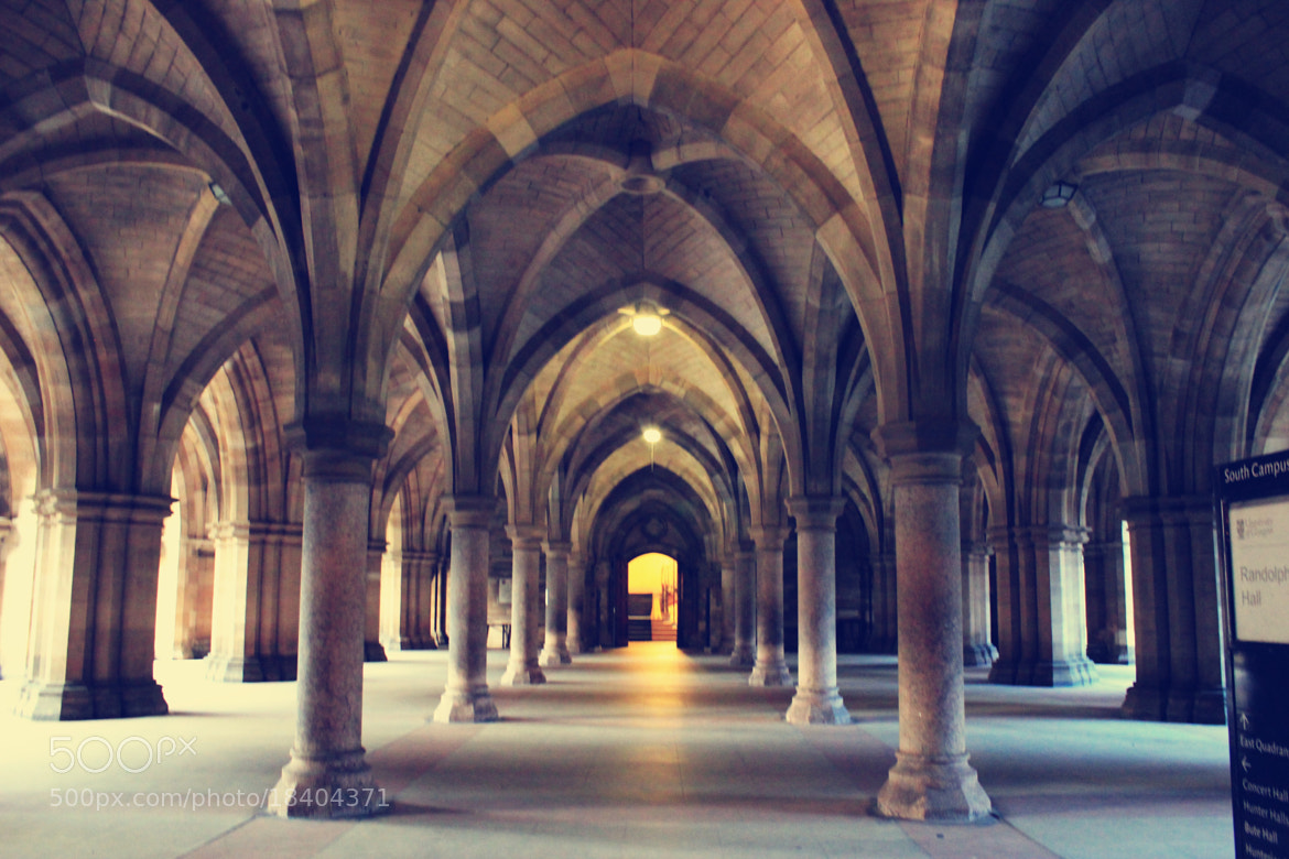 Photograph University of Glasgow: not clear by Suzie Zhan on 500px