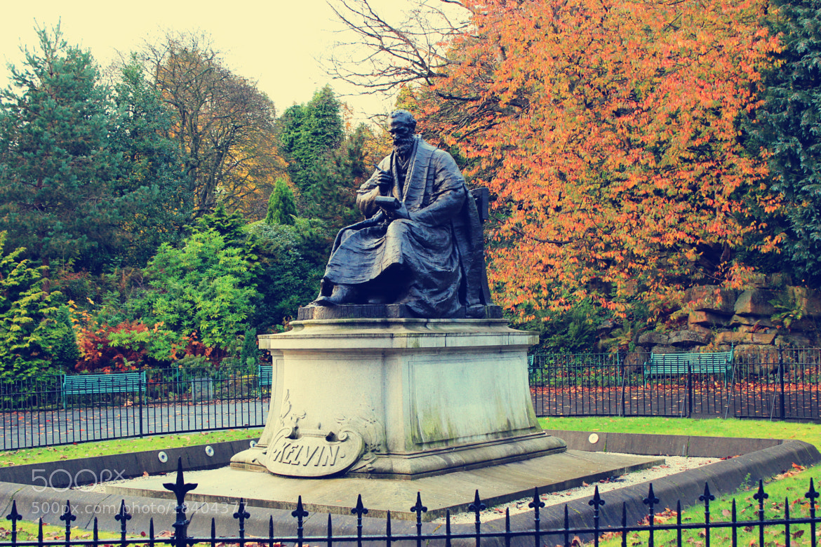 Photograph Statue of Kelvin by Suzie Zhan on 500px