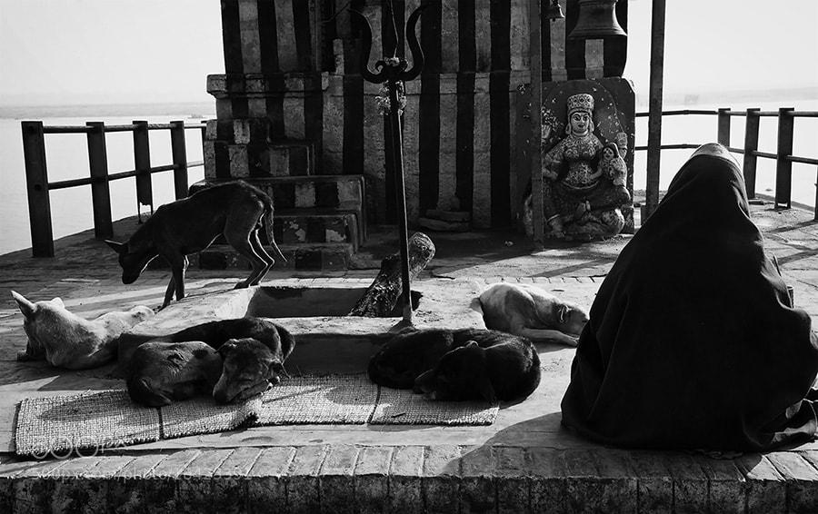 Photograph Goddess, devotee and.. by Saumalya Ghosh on 500px