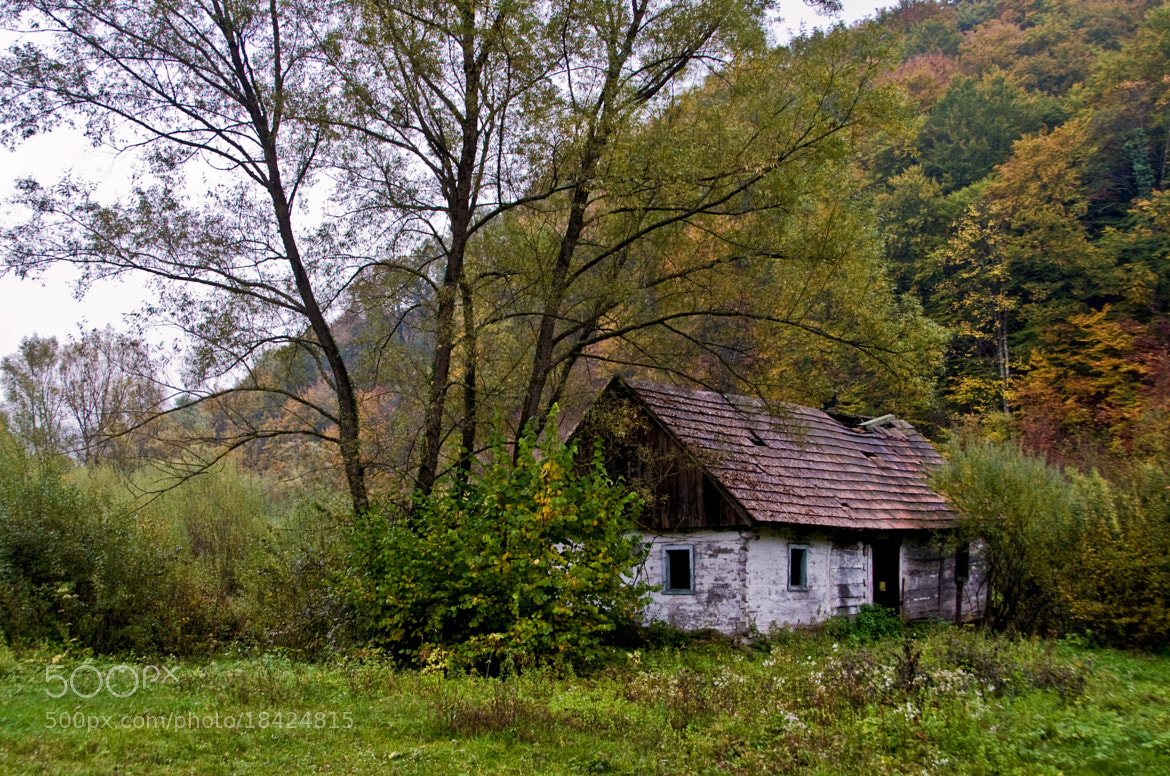 Photograph cottage (01) - abandoned by Vlado Ferencic on 500px