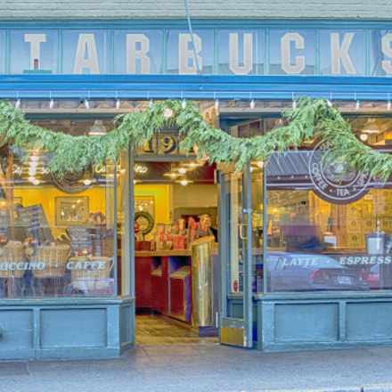 The First Starbucks Store, Canon EOS-1D C, Canon EF 70-200mm f/2.8L IS II USM