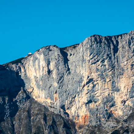 The lonely house, Canon EOS 60D, Tamron SP 70-300mm f/4.0-5.6 Di VC USD