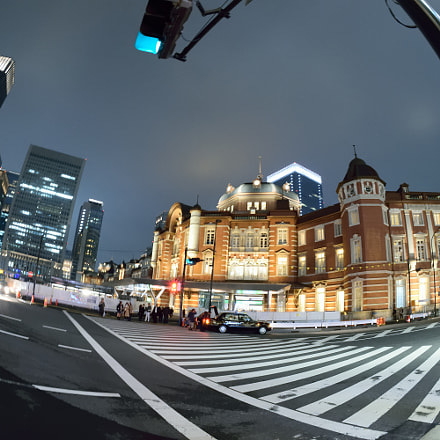 Intersection of Tokyo Station, Nikon D5300, Sigma 10mm F2.8 EX DC HSM Fisheye