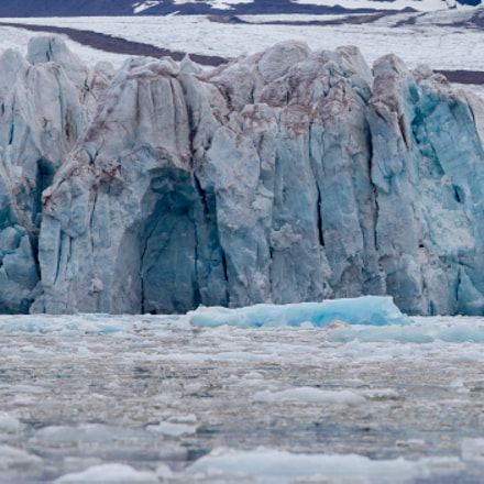 Glacier in Svalbard, Norway, Canon EOS 7D, Canon EF 300mm f/2.8L IS