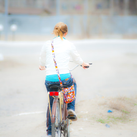 Girl on bicycle, Canon EOS 5D, Canon EF 50mm f/1.8