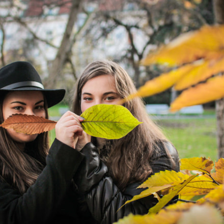 autumn // sisters, Canon EOS 600D, Sigma 30mm f/1.4 EX DC HSM
