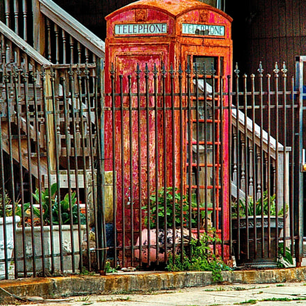 old english phone booth, Nikon D2H, Sigma 28-200mm F3.5-5.6 Compact Aspherical Hyperzoom Macro
