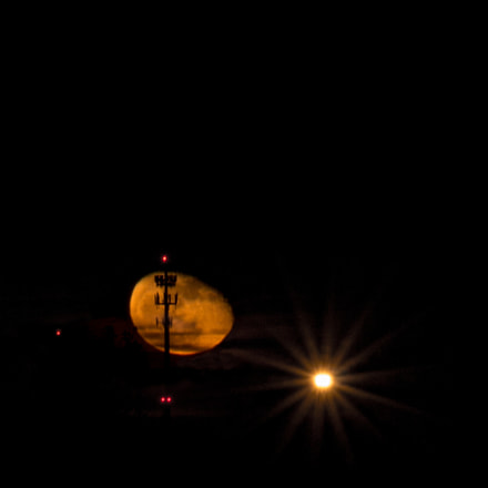 Moon Rise, Canon EOS REBEL T4I, Canon EF-S 18-135mm f/3.5-5.6 IS STM