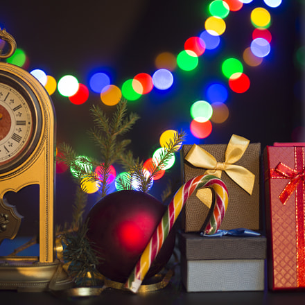 Christmas theme. Vintage clock, Canon EOS 5D MARK III, Canon EF 35-80mm f/4-5.6