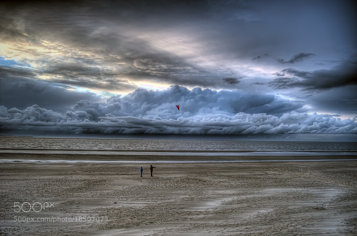 Photograph Two kiters by Ton   lع Jeune on 500px