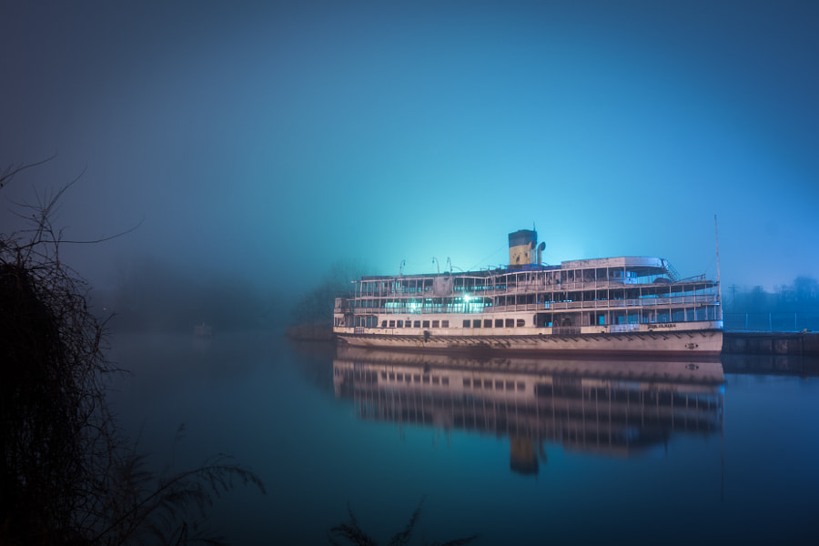 The abandoned Ste Claire ferry boat used to take v ... by James Devlin on 500px.com