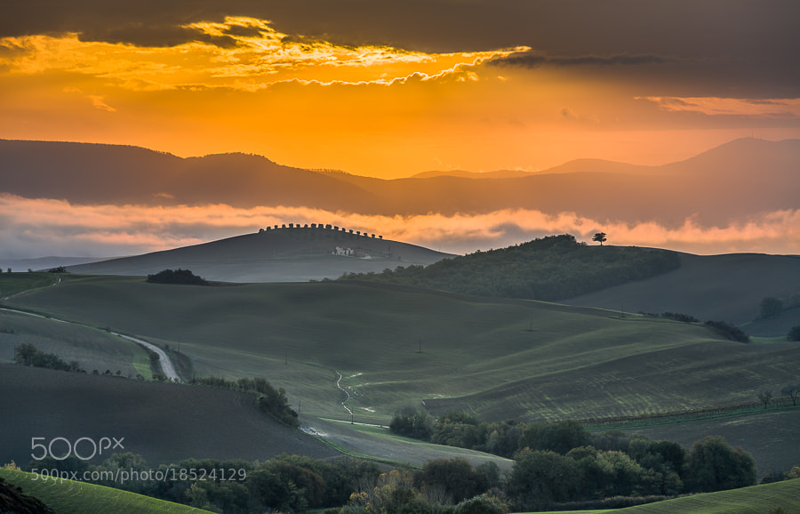 "<a href=""http://www.hanskrusephotography.com/Workshops/Tuscany-Workshop-November-11/24503340_KkvZqW#!i=2224328612&k=X6K66fL&lb=1&s=A"">See a larger version here</a>