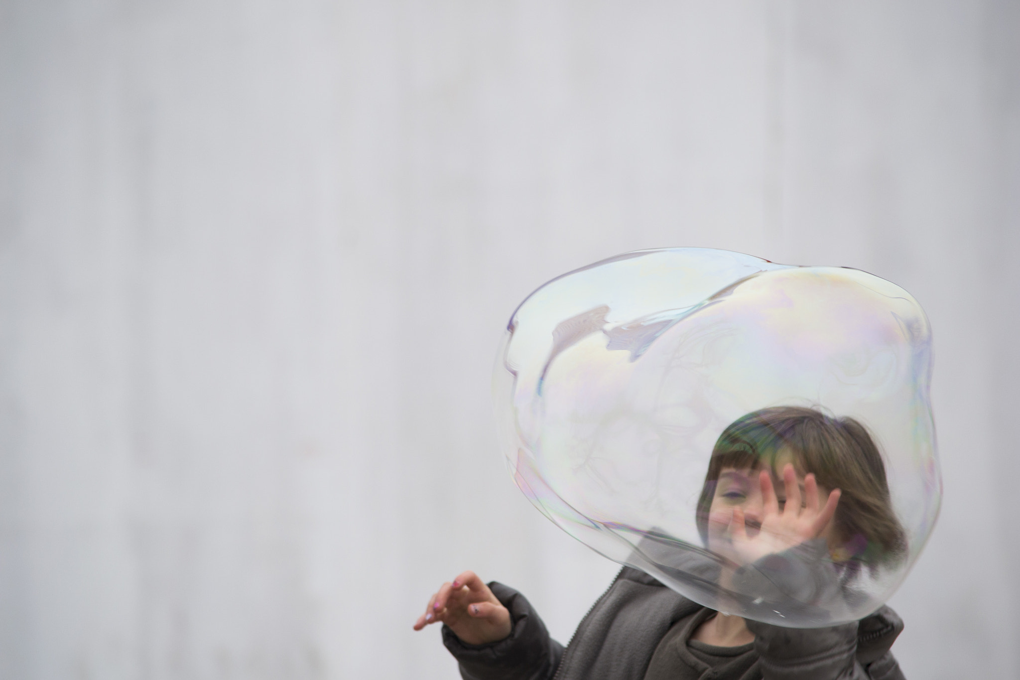 Photograph Child and bubble by Orlando Bianco on 500px