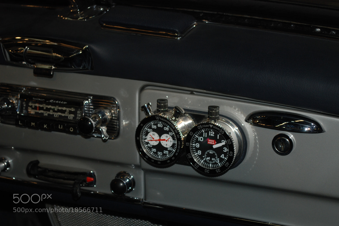 Photograph Mercedes o'clock by Armando Latorre on 500px