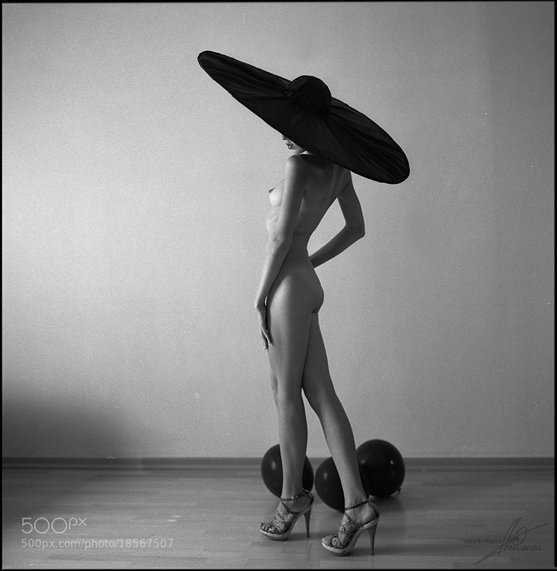 nude photo - Hat by Mark-Meir Paluksht
