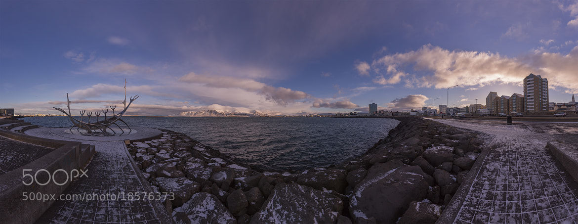 Photograph Reykjavik es hermoso de lado a lado by Ivan Castro on 500px