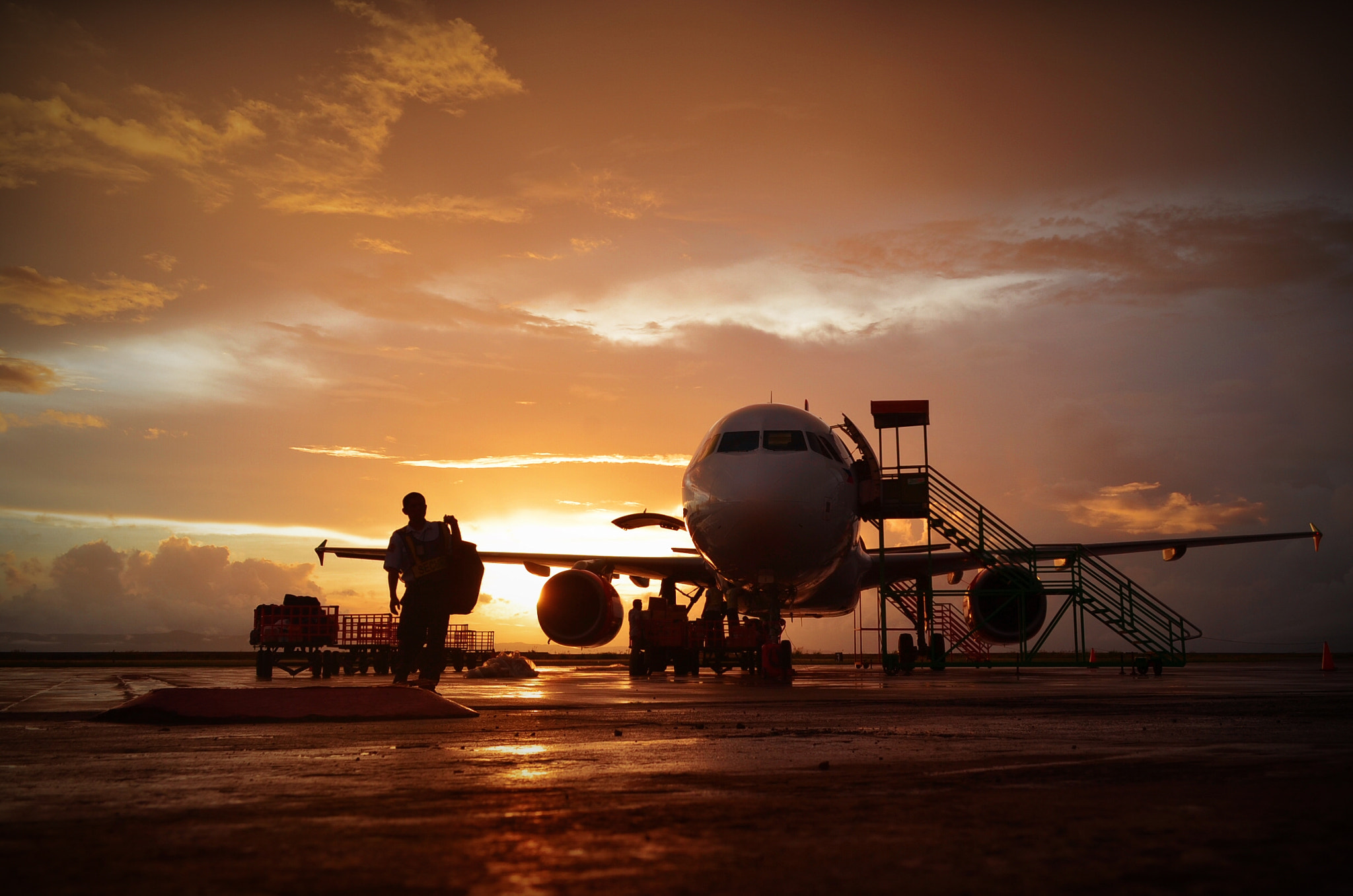 Photograph One day at the tarmac by Vey Telmo on 500px