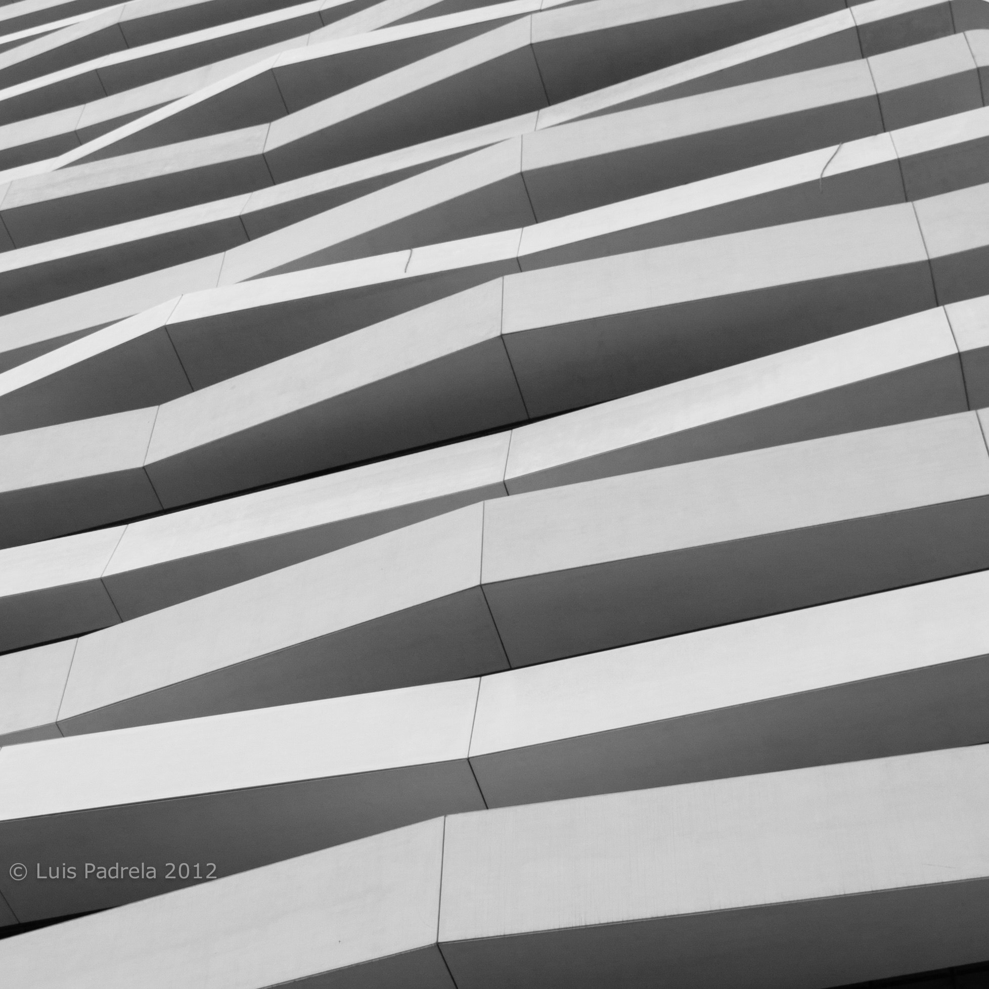 Photograph Concrete waves (minimalistic view) by Luis Padrela on 500px