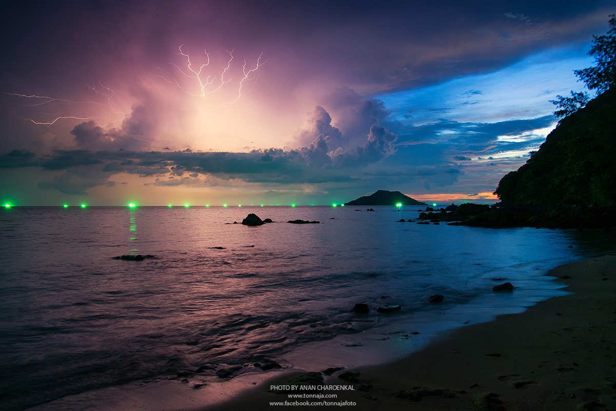 Photograph Thunderbolt by Tonnaja Anan Charoenkal on 500px