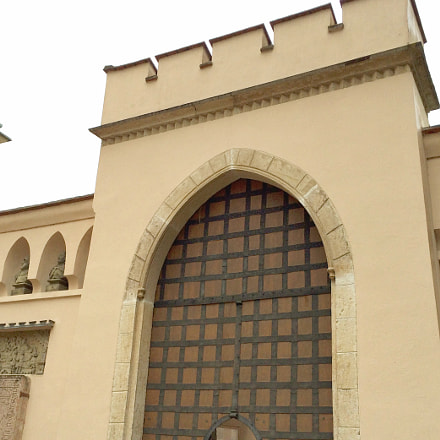 Gate 1204