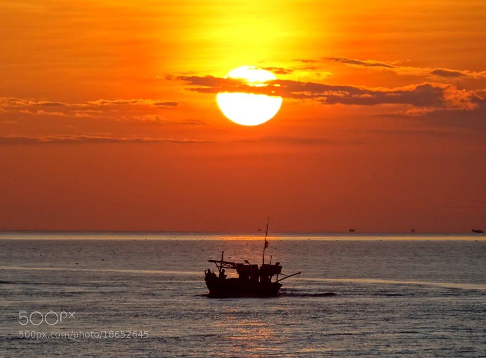 Photograph sunrise by thiet_vannguyen on 500px