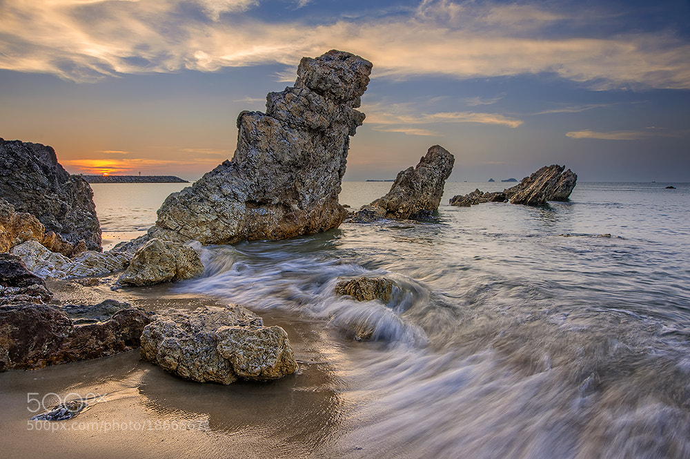 Photograph 3 rocks by pick chon on 500px