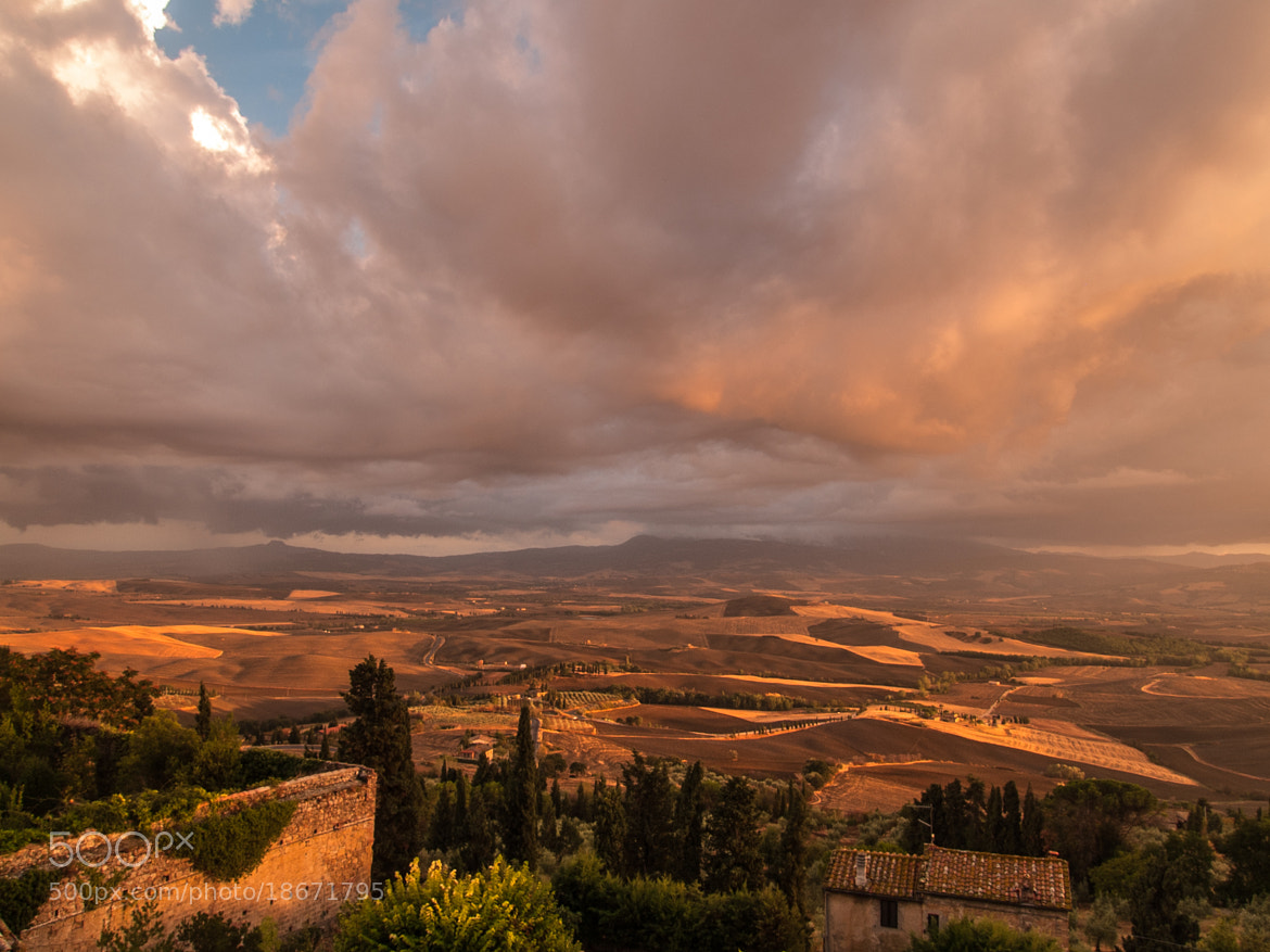 Photograph Tramonto sulla Val d'Orcia by Enzo Crispino on 500px