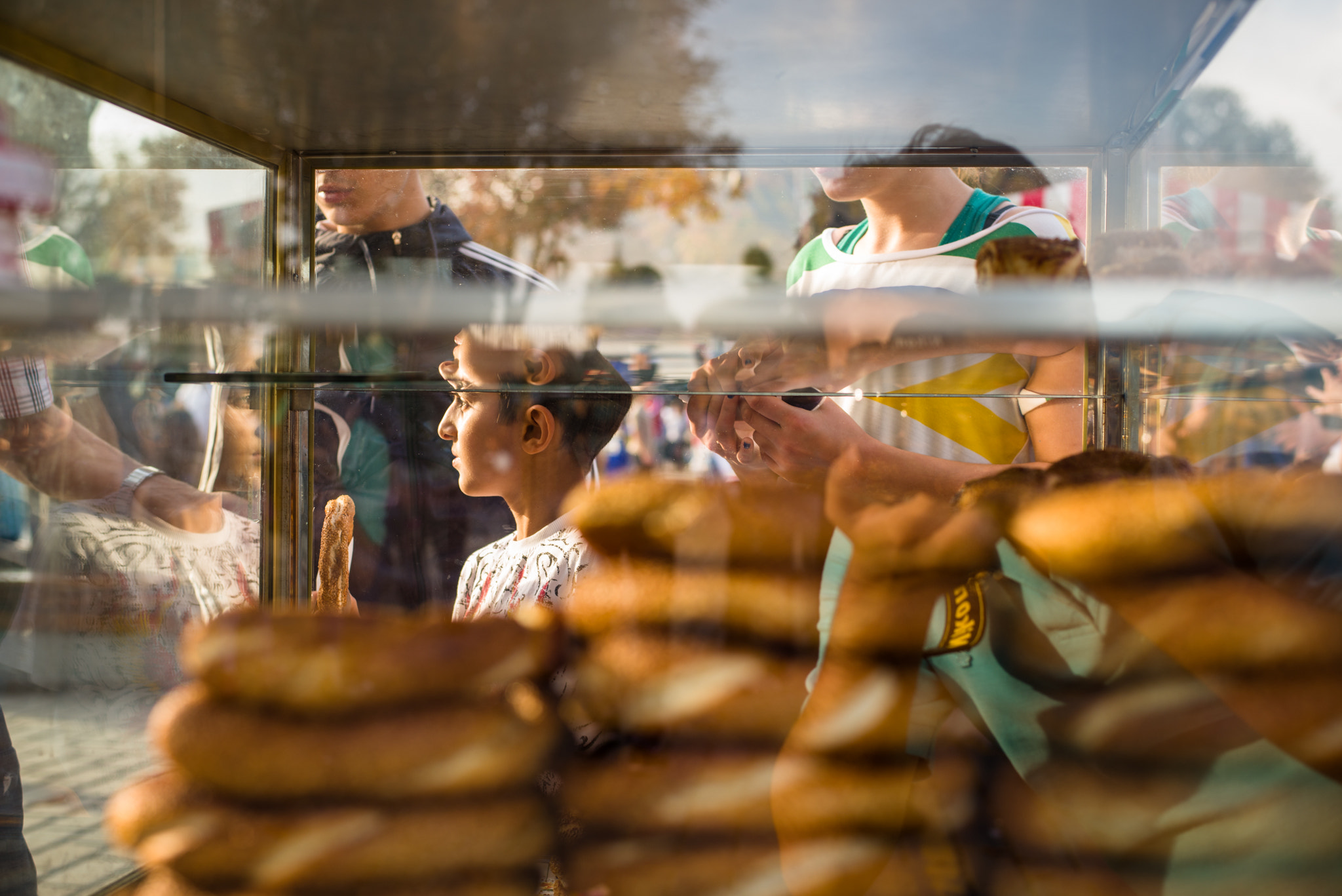 Photograph At the simit stall, Istanbul by Sunil Thakkar on 500px