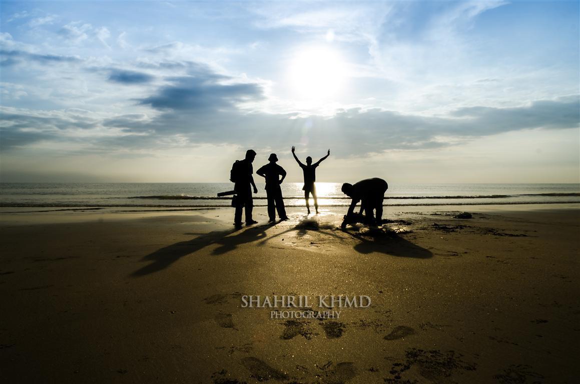 Photograph Silhouette of fishermen by Shahril KHMD on 500px