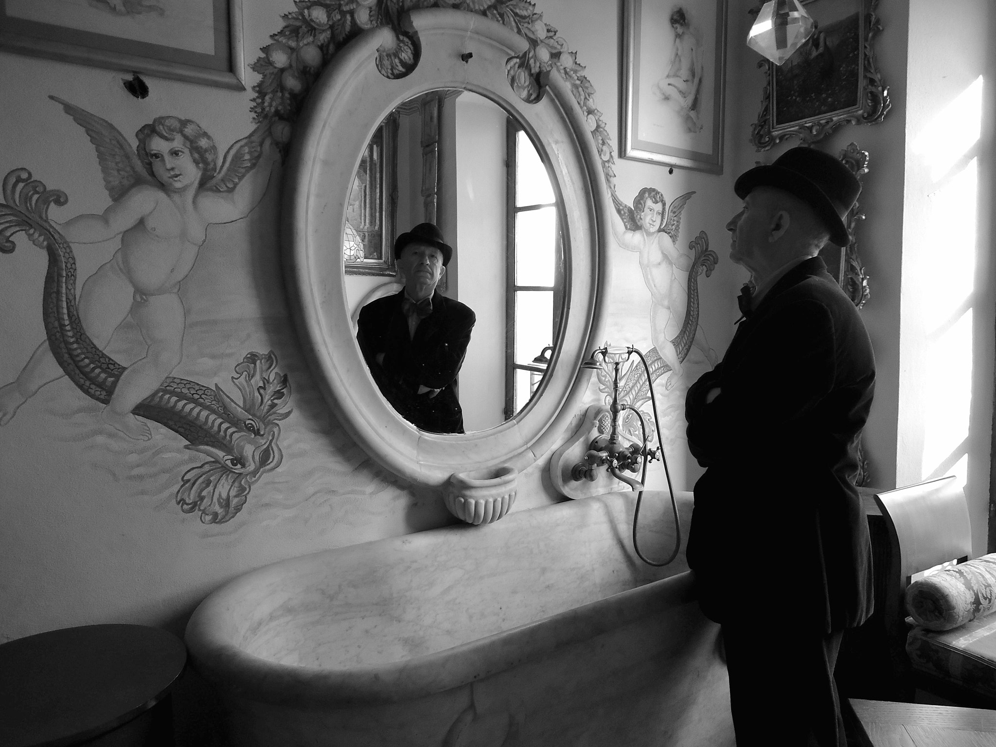 Photograph Mr. Conte Moretti .......in your  bathroom by cesare schiraldi on 500px